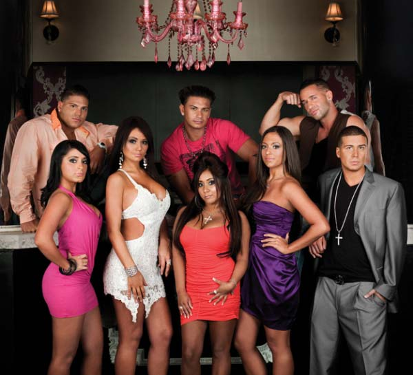 the cast of the second season of jersey shore poses