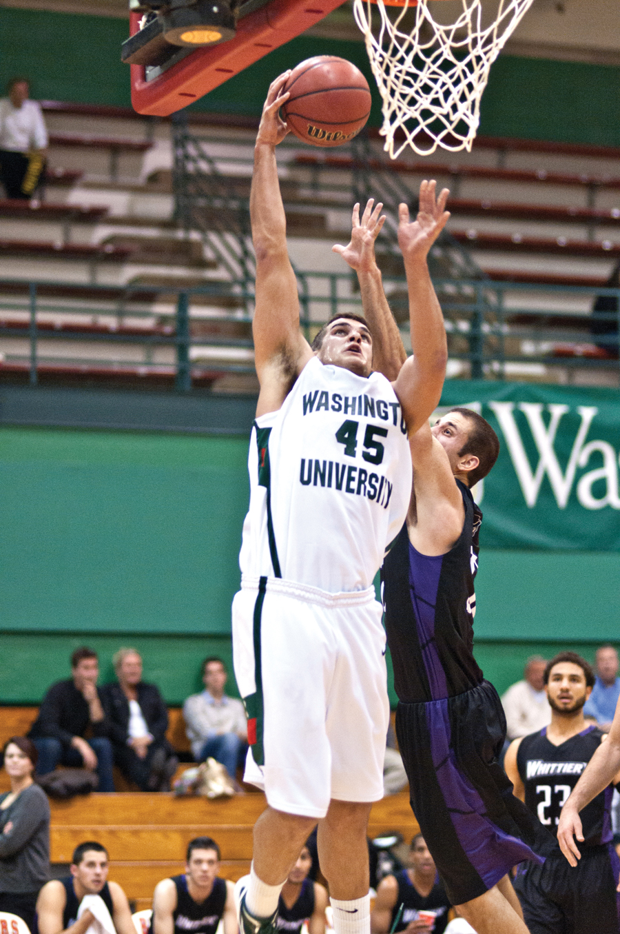 Men's basketball claims top spot in UAA over break ...